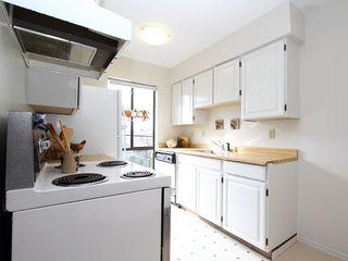 "Photo 7: # 302 3680 W 7TH AV in Vancouver: Kitsilano Condo for sale in ""JERICHO HOUSE"" (Vancouver West)  : MLS®# V998142"