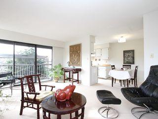 "Photo 3: # 302 3680 W 7TH AV in Vancouver: Kitsilano Condo for sale in ""JERICHO HOUSE"" (Vancouver West)  : MLS®# V998142"