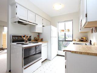 "Photo 6: # 302 3680 W 7TH AV in Vancouver: Kitsilano Condo for sale in ""JERICHO HOUSE"" (Vancouver West)  : MLS®# V998142"