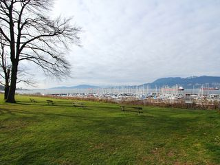 "Photo 17: # 302 3680 W 7TH AV in Vancouver: Kitsilano Condo for sale in ""JERICHO HOUSE"" (Vancouver West)  : MLS®# V998142"