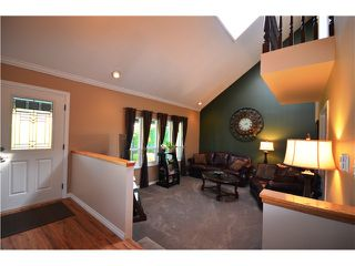 """Photo 2: 11991 188A Street in Pitt Meadows: Central Meadows House for sale in """"CENTRAL MEADOWS"""" : MLS®# V998915"""