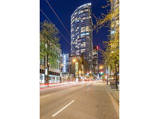 Photo 2: # 3005 833 SEYMOUR ST in Vancouver: Downtown VW Condo for sale (Vancouver West)  : MLS®# V1127229