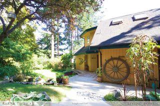 Main Photo: 297 David Road in Bowen Island: Millers Landing House for sale : MLS®# R2085310