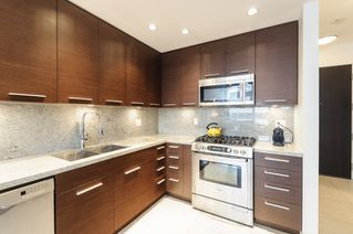 Photo 4: 206 2528 MAPLE STREET in Vancouver: Kitsilano Condo for sale (Vancouver West)  : MLS®# R2105698