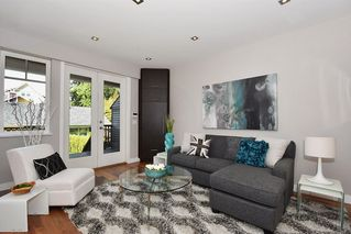 Photo 2: 25 W 15TH AVENUE in Vancouver: Mount Pleasant VW Townhouse for sale (Vancouver West)  : MLS®# R2065809