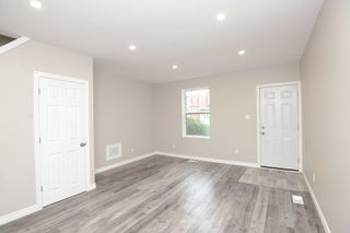 Photo 3: 94 Cheever in Hamilton: House for sale : MLS®# H4044806