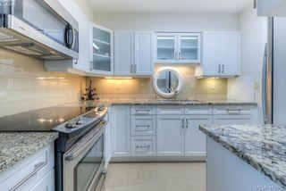 Photo 4: 303 139 Clarence Street in VICTORIA: Vi James Bay Condo Apartment for sale (Victoria)  : MLS®# 415662