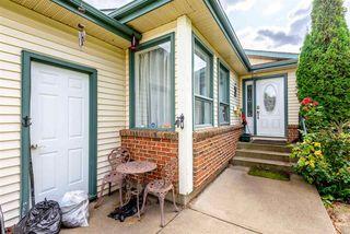 Photo 2: 300 WARWICK Crescent in Edmonton: Zone 27 House for sale : MLS®# E4173938