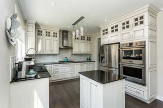Photo 5: 28 Kempsford Crescent in Brampton: Northwest Brampton House (2-Storey) for sale : MLS®# W4587939