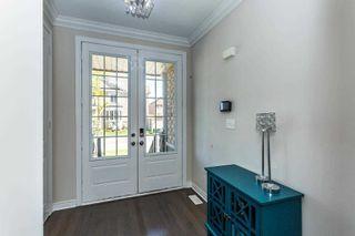 Photo 2: 28 Kempsford Crescent in Brampton: Northwest Brampton House (2-Storey) for sale : MLS®# W4587939