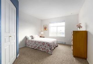 """Photo 6: 312 4770 52A Street in Delta: Delta Manor Condo for sale in """"WESTHAM LANE"""" (Ladner)  : MLS®# R2422080"""