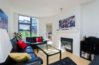 Photo 3: 215 2263 REDBUD Lane in Vancouver West: Home for sale : MLS®# R2185495
