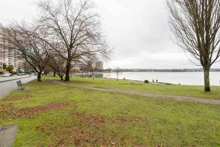 "Photo 3: 401 2095 BEACH Avenue in Vancouver: West End VW Condo for sale in ""BEACH PARK"" (Vancouver West)  : MLS®# R2436465"