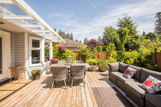 Photo 5: 16142 8A Avenue in Surrey: King George Corridor House for sale (South Surrey White Rock)  : MLS®# R2460373