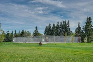 Photo 38: 13 POINT MCKAY Court NW in Calgary: Point McKay Row/Townhouse for sale : MLS®# C4299919