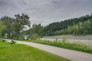 Main Photo: 13 POINT MCKAY Court NW in Calgary: Point McKay Row/Townhouse for sale : MLS®# C4299919