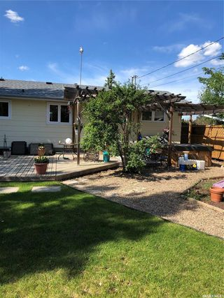 Photo 4: 41 23rd Street West in Battleford: Residential for sale : MLS®# SK814193