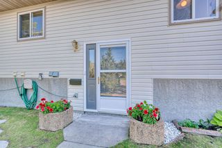 Photo 3: 2 West Aarsby Road: Cochrane Semi Detached for sale : MLS®# A1017506