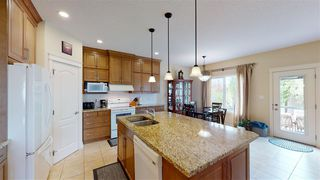 Photo 1: 7518 SPEAKER Way in Edmonton: Zone 14 House for sale : MLS®# E4213985