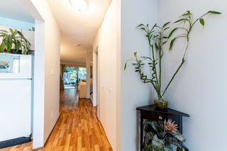 """Photo 3: 4683 HOSKINS Road in North Vancouver: Lynn Valley Townhouse for sale in """"Yorkwood Hills"""" : MLS®# R2500187"""