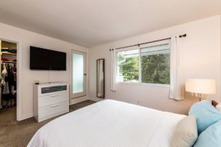 """Photo 17: 4683 HOSKINS Road in North Vancouver: Lynn Valley Townhouse for sale in """"Yorkwood Hills"""" : MLS®# R2500187"""