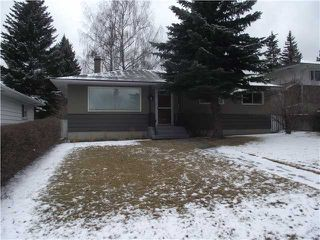 Photo 1: 31 HEALY Drive SW in CALGARY: Haysboro Residential Detached Single Family for sale (Calgary)  : MLS®# C3514062