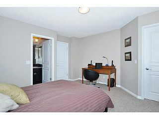 Photo 11: 114 ELGIN MEADOWS Gardens SE in CALGARY: McKenzie Towne Residential Attached for sale (Calgary)  : MLS®# C3542385