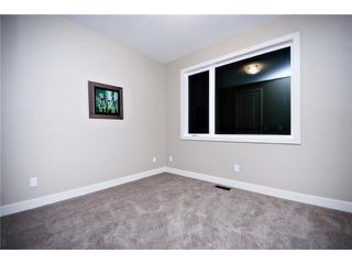 Photo 15: 2422 Bowness Road NW in CALGARY: West Hillhurst Residential Attached for sale (Calgary)  : MLS®# C3545963