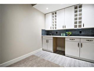 Photo 19: 2422 Bowness Road NW in CALGARY: West Hillhurst Residential Attached for sale (Calgary)  : MLS®# C3545963