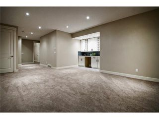 Photo 18: 2422 Bowness Road NW in CALGARY: West Hillhurst Residential Attached for sale (Calgary)  : MLS®# C3545963