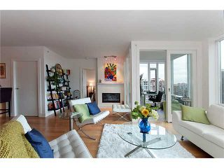"""Photo 5: 2203 565 SMITHE Street in Vancouver: Downtown VW Condo for sale in """"VITA"""" (Vancouver West)  : MLS®# V1015686"""