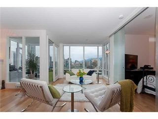 """Photo 4: 2203 565 SMITHE Street in Vancouver: Downtown VW Condo for sale in """"VITA"""" (Vancouver West)  : MLS®# V1015686"""
