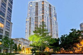 Main Photo: 1418 25 Kingsbridge Garden in Mississauga: Condo for sale : MLS®# W2936261
