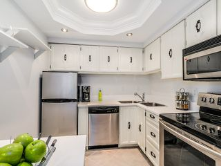 Photo 3: 312 466 E Eighth Avenue in New Westminster: Sapperton Condo for sale : MLS®# R2031037