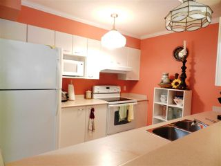 Photo 3: 207 5855 COWRIE STREET STREET in Sechelt: Sechelt District Condo for sale (Sunshine Coast)  : MLS®# R2021103