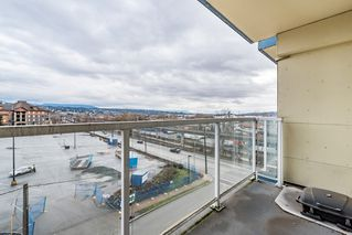 Photo 3: 402 200 KEARY STREET in New Westminster: Sapperton Condo for sale : MLS®# R2145784