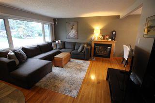 Photo 2: 10655 59 Street in Edmonton: Zone 19 House for sale : MLS®# E4165950