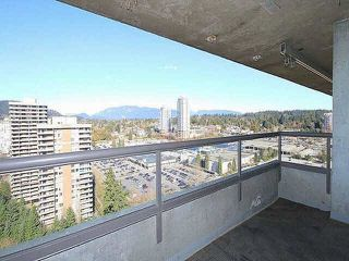 "Photo 7: 2401 9521 CARDSTON Court in Burnaby: Government Road Condo for sale in ""Concorde Place"" (Burnaby North)  : MLS®# R2433813"