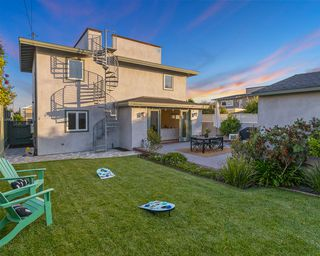 Photo 3: PACIFIC BEACH House for sale : 5 bedrooms : 1162 Beryl St in San Diego