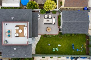 Photo 6: PACIFIC BEACH House for sale : 5 bedrooms : 1162 Beryl St in San Diego