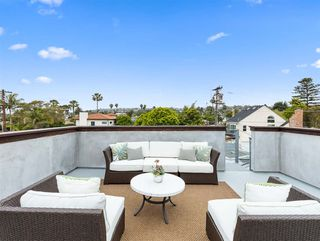 Photo 4: PACIFIC BEACH House for sale : 5 bedrooms : 1162 Beryl St in San Diego