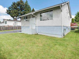 Photo 3: 12217 97 Avenue in Surrey: Cedar Hills House for sale (North Surrey)  : MLS®# R2457025