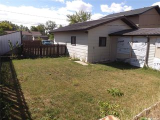 Photo 2: 734 Henry Street in Estevan: Hillside Residential for sale : MLS®# SK828343