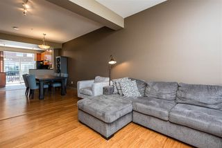 Photo 3: 1637 CUNNINGHAM Way in Edmonton: Zone 55 Townhouse for sale : MLS®# E4204804
