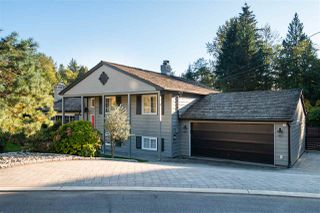 Photo 3: 492 SILVERDALE Place in North Vancouver: Upper Delbrook House for sale : MLS®# R2507699
