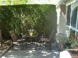 """Photo 2: 55 6577 SOUTHOAKS Crescent in Burnaby: Highgate Townhouse for sale in """"TUDOR GROVE"""" (Burnaby South)  : MLS®# V1024043"""