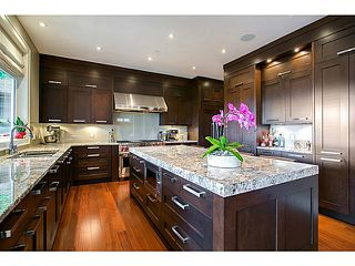 Photo 3: 2232 Kings Ave in West Vancouver: Ambleside House for sale : MLS®# v1021981