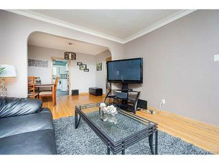 Photo 4: 127 Ellesmere Avenue in WINNIPEG: St Vital Residential for sale (South East Winnipeg)  : MLS®# 1420457