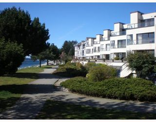 Photo 1: 301 5477 WHARF Road in Sechelt: Sechelt District Condo for sale (Sunshine Coast)  : MLS®# V611900