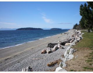 Photo 2: 301 5477 WHARF Road in Sechelt: Sechelt District Condo for sale (Sunshine Coast)  : MLS®# V611900